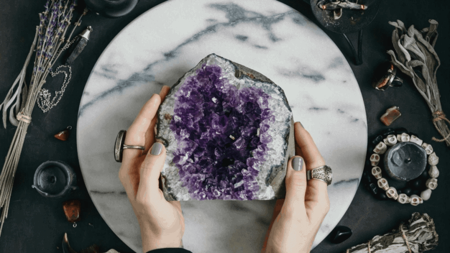 Decorative image of an amethyst crystal