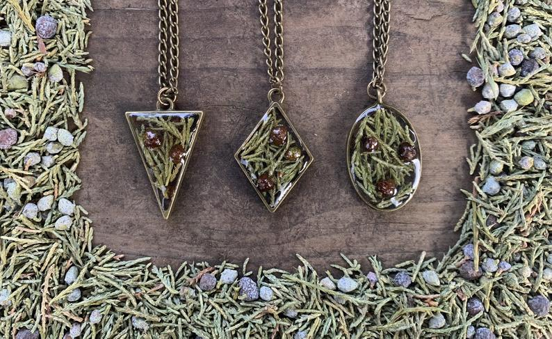 Juniper Leaves And Berries Resin Necklace
