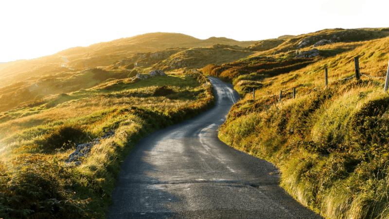 A winding Irish road
