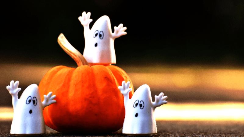Ghosts on pumpkin
